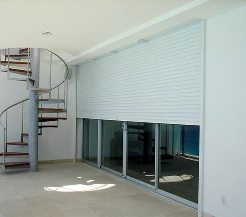 Persianas barcelona en rollable carpinteria de aluminio for Reparacion de persianas en barcelona